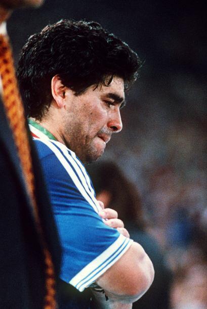 Diego Maradona está sin duda entre los tres mejores futbolistas en la hi...