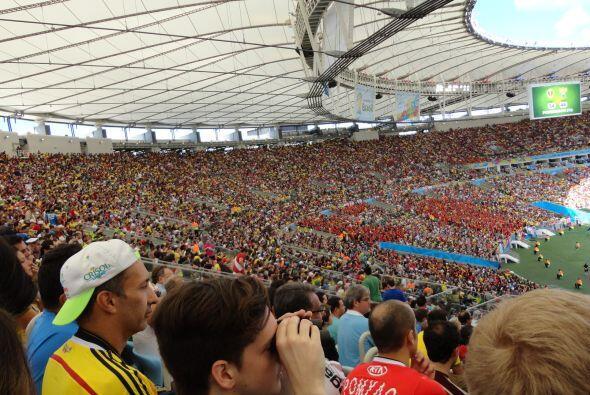 Todos los asientos del remodelado estadio de Maracaná ofrecen una vista...