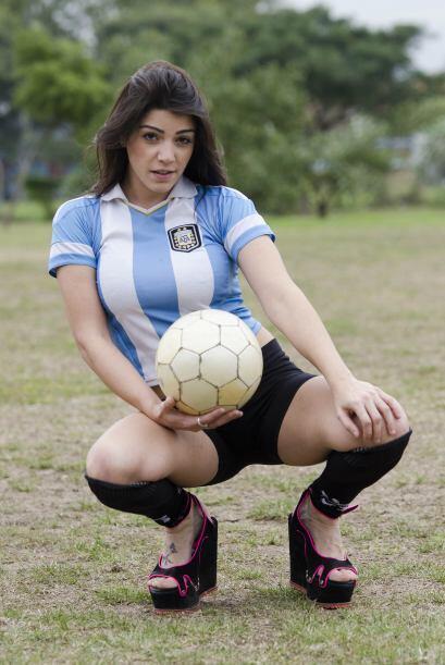 Muchos han dicho que maneja el balón tan bien como lo hace el también ju...