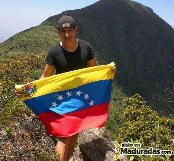 Roberto José Redman Orozco, estudiante de 23 años.  Su último tuit: Mamá...