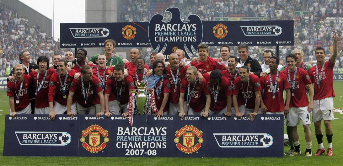 11. Manchester United (2007/2008) - 87 puntos y +58 en la diferencia de...