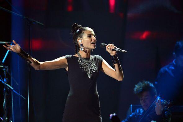 Natalia Jiménez regresó a Premios Juventud para demostrar que es toda un...
