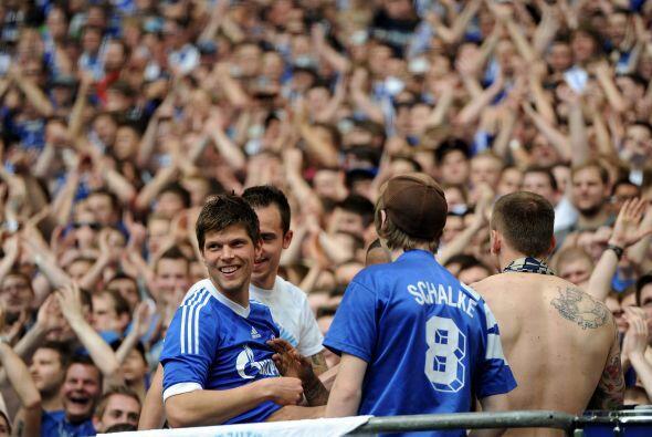 El 'Cazador' del área hizo dos goles con Schalke 04 en el partido ante W...