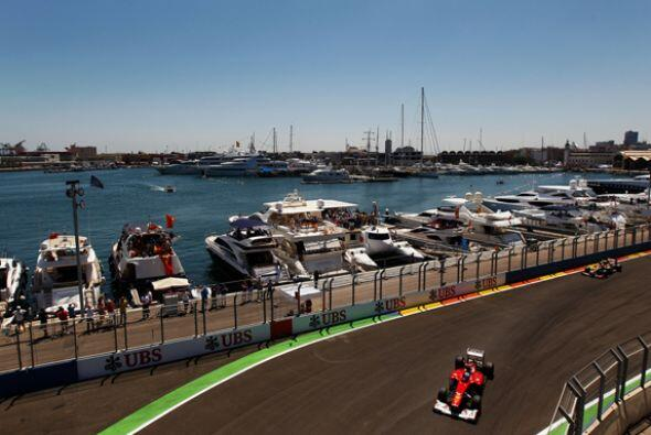 Tras el retiro de Vettel, Alonso se convirtió en el favorito y de inmedi...