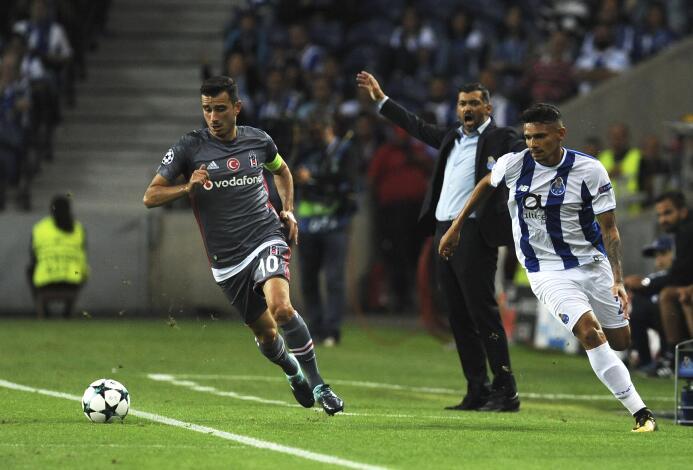 Porto sufrió como local contra un organizado y aguerrido Besiktas en Cha...