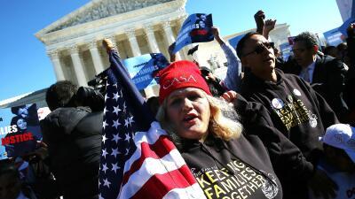 Inmigrantes frente a la Corte Suoprema de Justicia