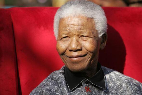 Nelson Mandela, expresidente de Sudáfrica y premio nobel de la Paz de 19...