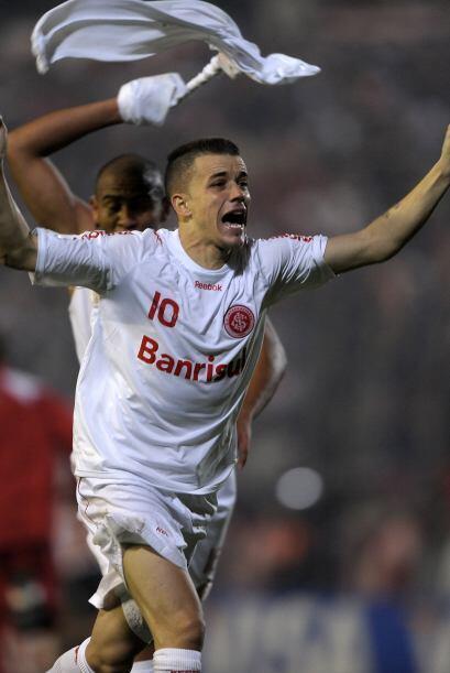 Por último el argentino Andrés D'Alessandro fue elegido el mejor jugador...