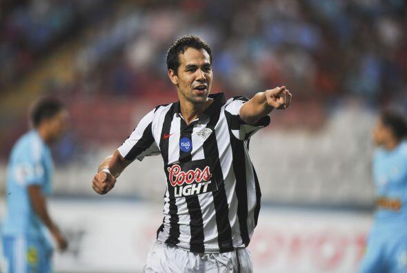 Pablo Leonardo Velázquez, valorado en 2.5 millones, ya ha sido seleccion...