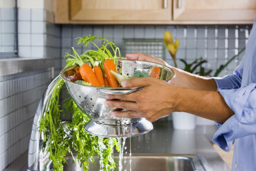 El beta caroteno, además de tener un poderoso efecto antioxidante, es un...
