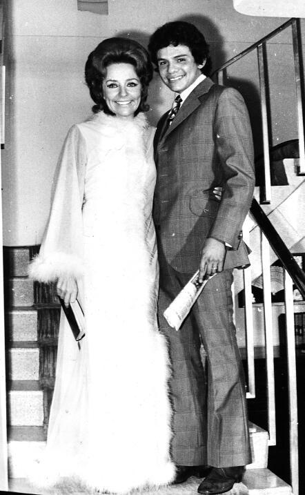 José José se casó a los 23 años con Natalia...