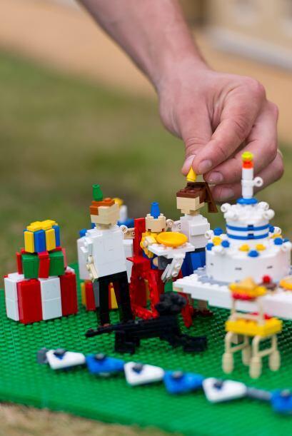 Se utilizaron miles de 'legos' para crear la fiesta de cumpleaños del ap...