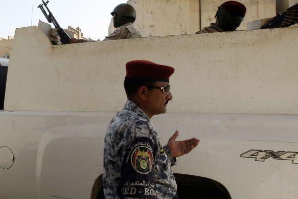 17 de agosto -59 Reclutas iraquíes muertos en un atentado suicida en Bag...