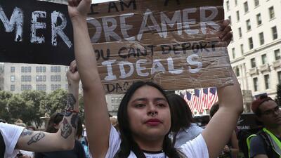 Muchos 'deamers' salieron a protestar luego de que se anunciara...