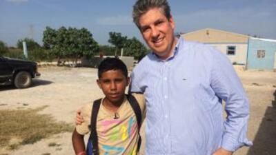 Bryan Soler y Raúl Benoit, durante su encuentro en la frontera entre Méx...