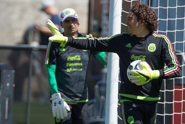Ochoa fue la más reciente baja de la selección mexicana, el arquero del...