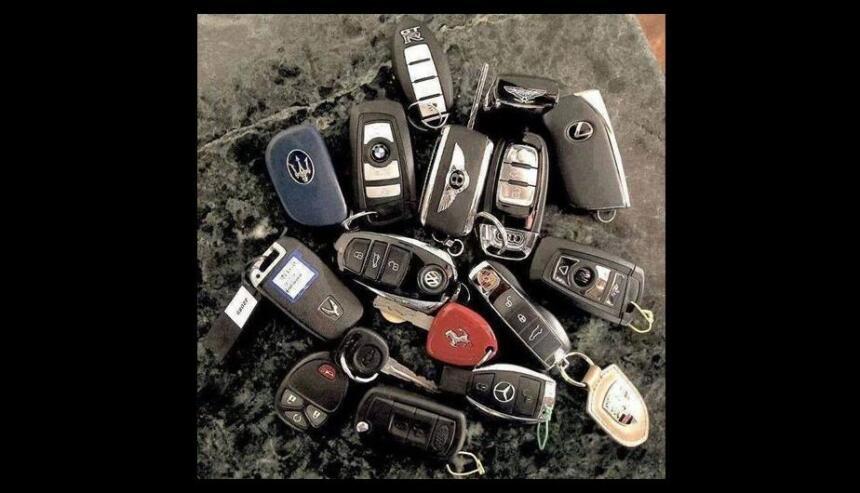 Los autos de la familia de El Chapo Guzmán