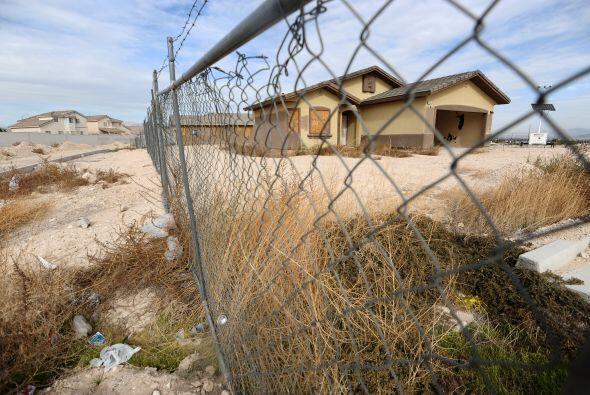 10. WARREN, MICHIGAN- El mercado de la vivienda se derrumbó en el área m...