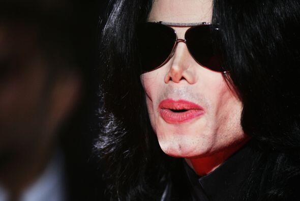 La vida de Michael Jackosn se vio plagada de escándalos.  Más chismes en...