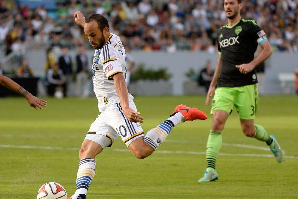 El equipo de Donovan sacó un gol de ventaja en su cancha al vencer 1-0 a...