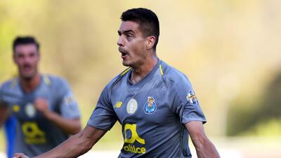En fotos: En el último suspiro el Porto de Herrera y Corona supera al Belenenses