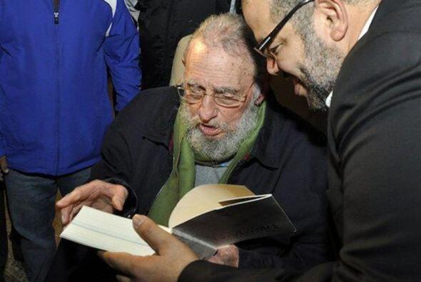El expresidente cubano Fidel Castro reapareció en público...