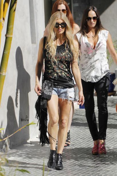 A pesar de los años, Fergie sigue firme a su estilo alocado y 'rockstar'...