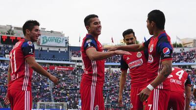 Chivas durante el juego ante Cruz Azul