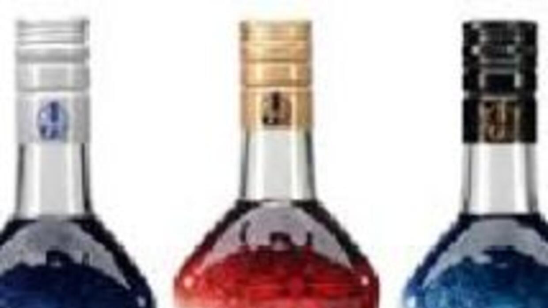 Las botellas de el Jimador se visten de fútbol.
