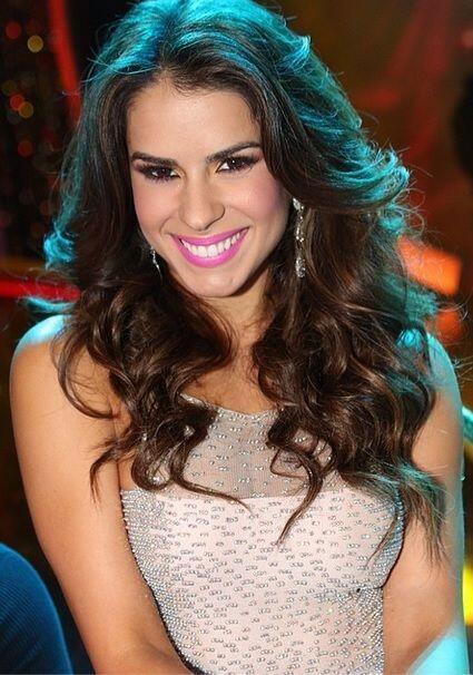 Vanessa nunca deja de sonreír, porque le gusta transmitir toda la felici...