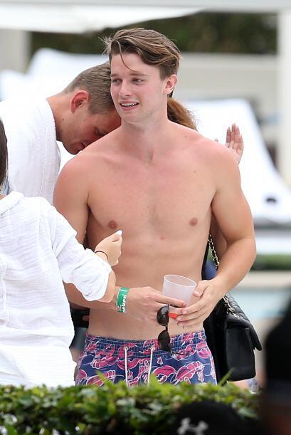 Patrick se divirtió como nunca en Miami.  Mira aquí los videos más chism...