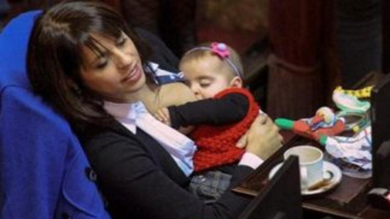 Victoria Donda Pérez ha dado la vuelta al mundo a través de las redes so...