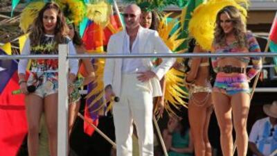 Pitbull, JLo y Claudia Leitte llevan toda la emoción del Mundial Brasil...