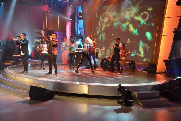 'Las escondidas' forma parte de su álbum debut 'Arriba y lejos'.