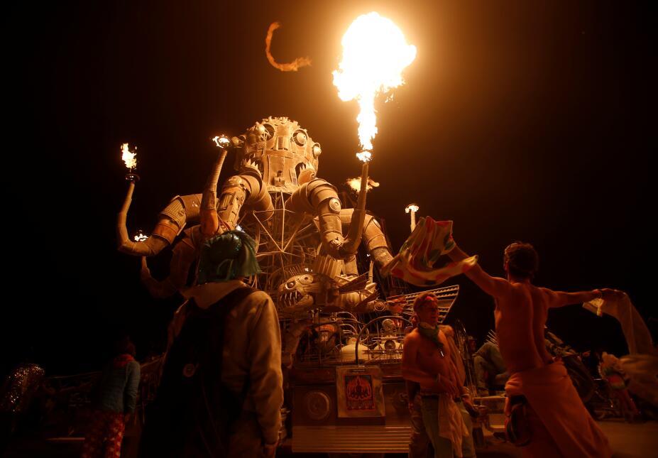 Más de 70,000 personas asistieron a la edición número 30 del Burning Man.
