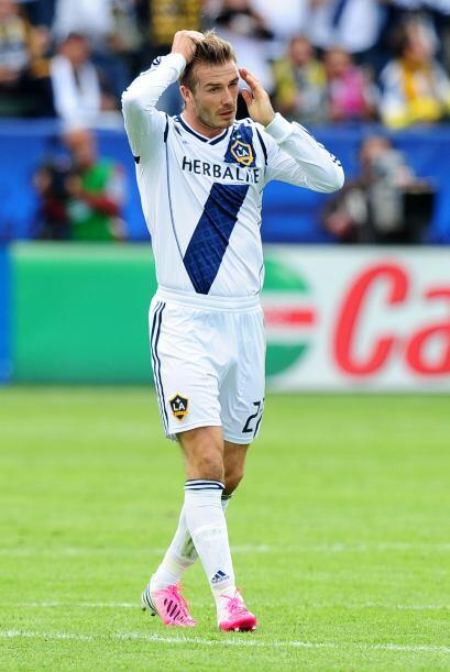 Finalmente en el tiempo de descuento, David Beckham fue reemplazado para...
