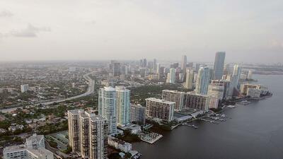 Ventana al tiempo: Cielo mayormente nublado y lluvia para este martes en Miami