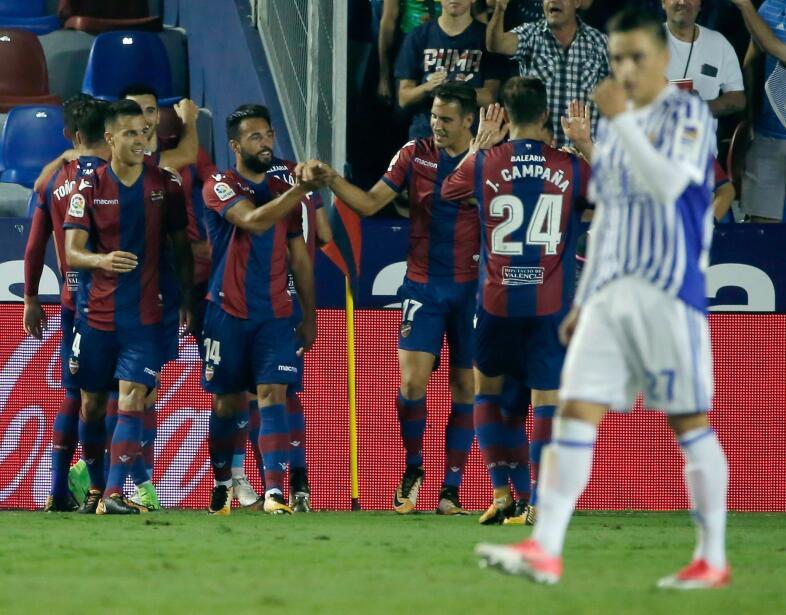 Real Sociedad y Carlos Vela fueron goleados por el Levante 6364163168743...