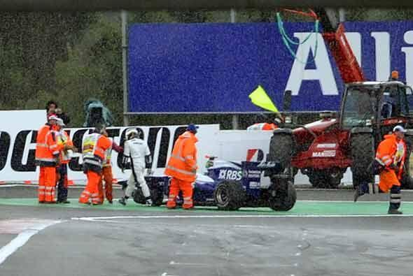 Barrichelo alcanzó por detrás a Alonso y tuvo que abandonar su Gran Prem...