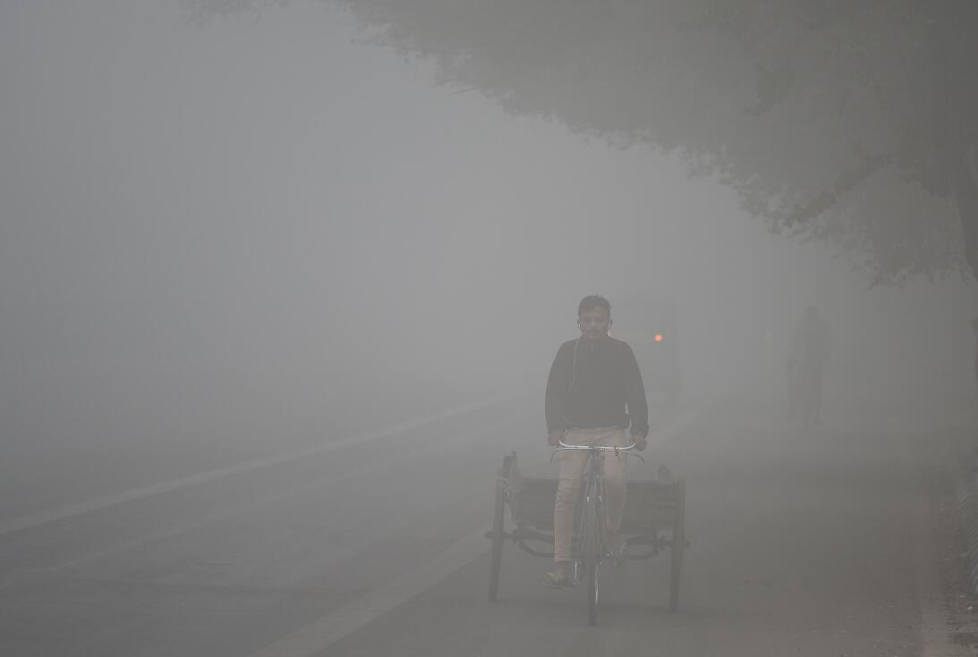 La contaminación del aire asfixia a Nueva Delhi  5-gettyimages-871507540...