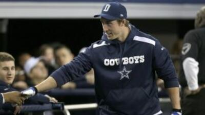 Sean Lee (AP-NFL).