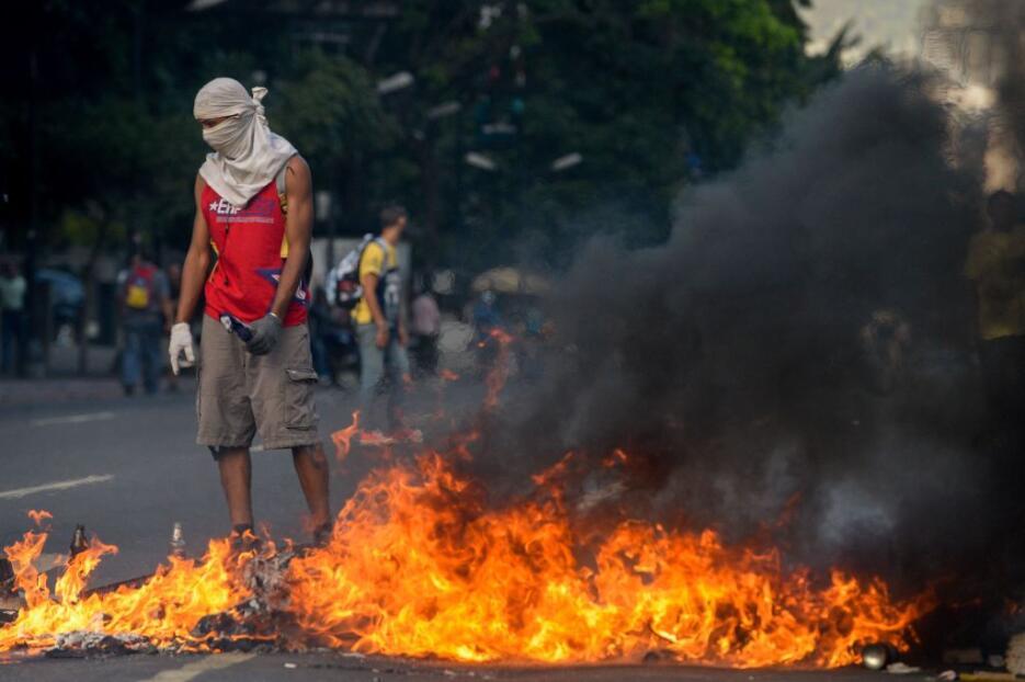 Venezuela arde entre protestas GettyImages-666287432.jpg