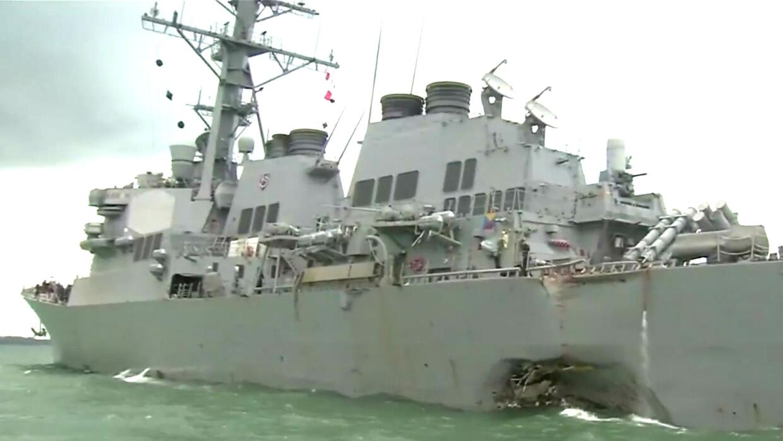 Hallan restos de marinos estadounidense desaparecidos tras choque en agu...