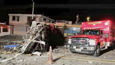 Confirman que hay colombianos y venezolanos entre las víctimas de un accidente de bus en Ecuador