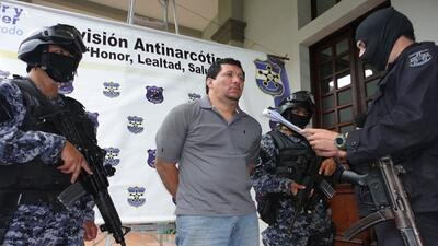 "Las autoridades salvadoreñas acusan a ""Medio Millón"" por proveer de arma..."