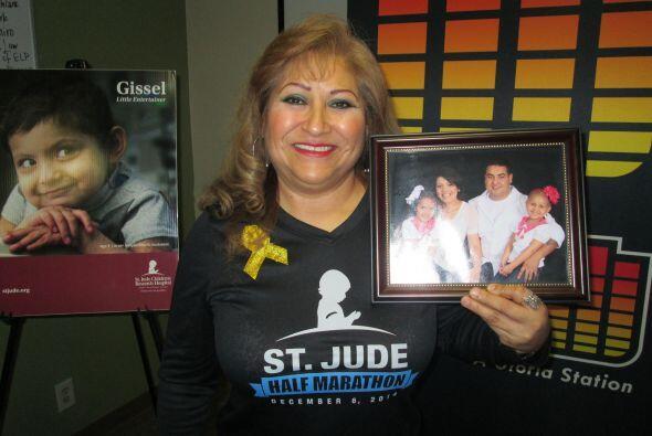 Nacida en El Paso, Texas, Arianna Ramírez, la niña de la derecha en la f...