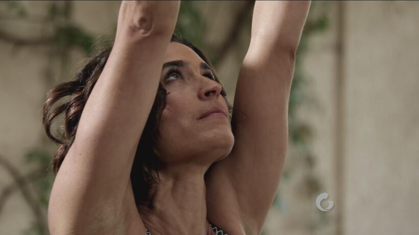 Yoga con Luz: guerrero uno con talón arriba