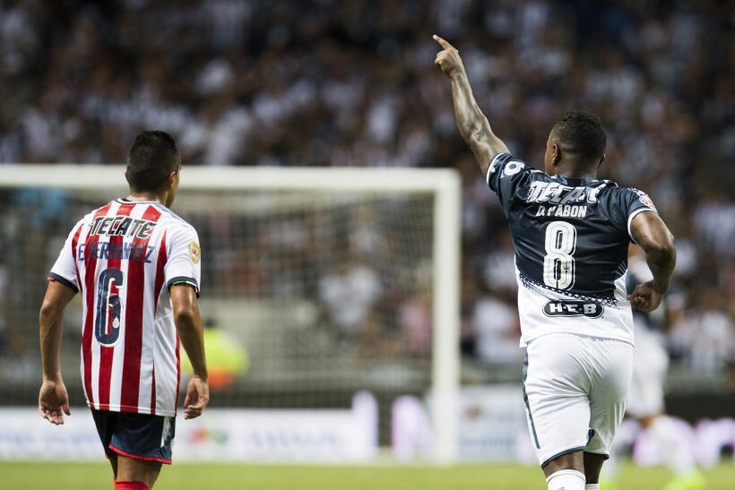 Monterrey aplastó al campeón Chivas y es líder general 20170812_3701.jpg