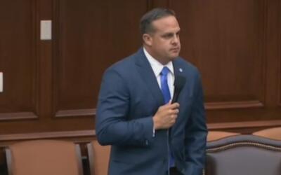 En plena sesión del senado, Frank Artiles pidió disculpas por sus coment...