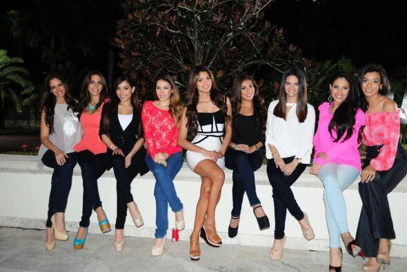 De mucha pierna cruzada, las chicas hicieron una pequeña sesión de fotos...